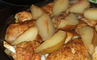 Kuracie mäso na hruškách so zemiakmi